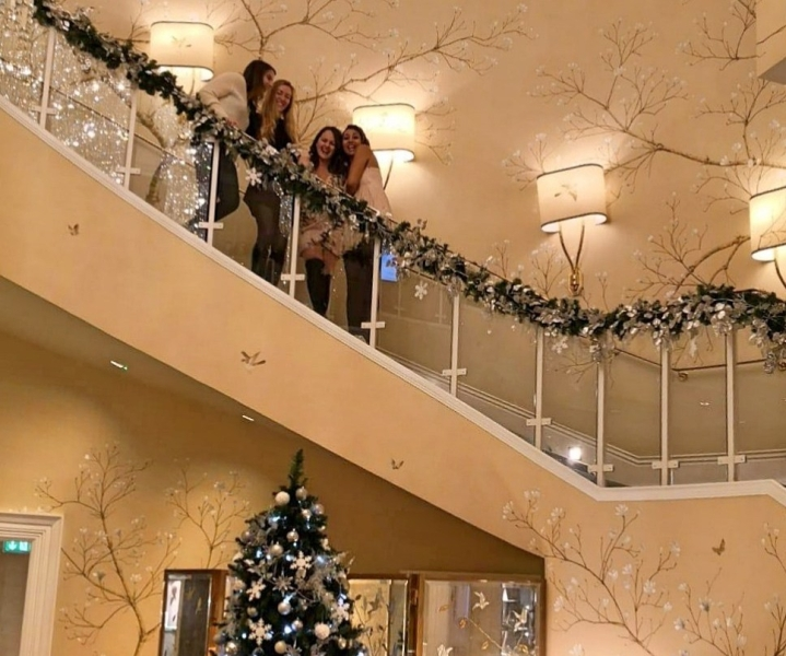 journo-girls-at-christmas-e1546705784415.jpg